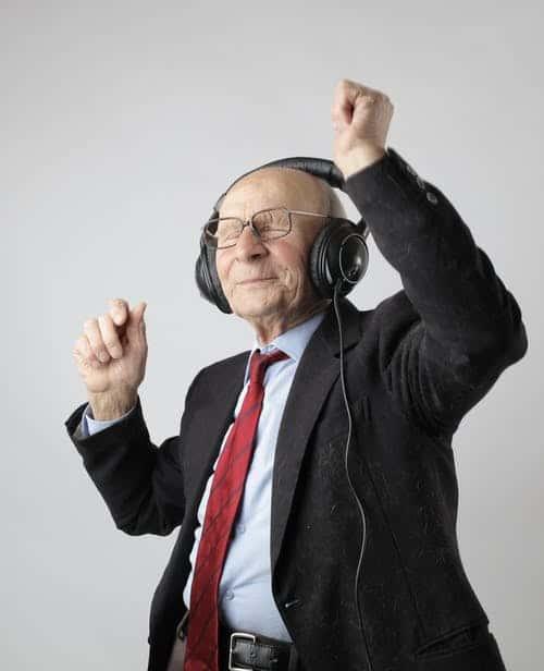 HAPPY OLD AGE, HAPPY RETIREE LIFE